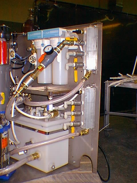 Compact Cooling System for deionized water